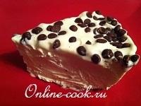 Торт-мороженое с шоколадными каплями