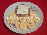 Банан, лепешка со сливочным маслом